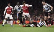 Нюкасъл може да върне легенда на Арсенал във Висшата Лига