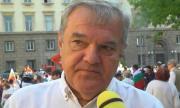 Румен Петков: Честит утрешен празник и на въстание, българи - дошло е време!