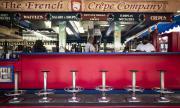 Калифорния затваря барове, закритите части на ресторанти и киносалони