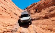 """Всъдеходът на Ford премина през """"Портите на ада"""" на заден ход (ВИДЕО)"""