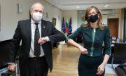 Захариева: България приветства Владо Бучковски за посредник