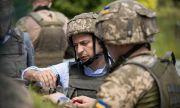 Президентът на Украйна: Руските войници и оръжие са още край границите ни