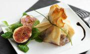 Рецепта за вечеря: Запечено сирене със смокини и ядки
