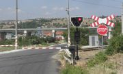 Блокаж на жп прелезите парализира трафика в Пловдив