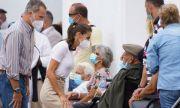 Испанската кралска двойка се срещна с пострадали от вулкана на остров Ла Палма