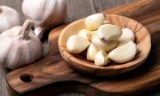 Какво ще стане с нас, ако ядем по скилидка чесън на ден цяла година?