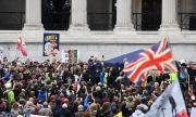Лондон въстана срещу COVID-19 рестрикциите