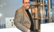Наш професор създаде революционен апарат за борба с коронавируса
