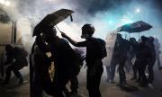 Отново безредици в Портланд, демонстранти хвърляха камъни по полицаи