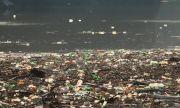 Плаващото сметище край Своге изчезва до края на седмицата
