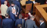 БСП и ГЕРБ отново се подиграха с българското общество
