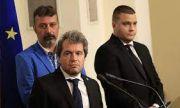 Шоуто на Слави Трифонов продължи с премиерския си спектакъл