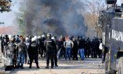 Бежанците от лагера в Харманли системно крадат от магазините в града