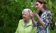 Елизабет II подготвя Кейт за кралица
