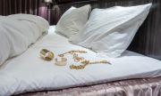 Спането с бижута е опасно за здравето