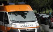 Борят се за живота на 4-годишно дете, паднало от тераса в Габрово