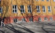 МОН: 110 ученици и 74 учители са с положителни проби за COVID-19