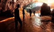 Водолаз разказа за спасителната операция в пещерата