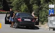 Мъж твърди, че е бит от служители на паркинг в Балчик