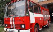 """Втори ден продължава борбата с пожара в предприятието """"Свилоза"""""""