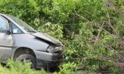 Шофьор се удари в бетоновоз и почина