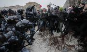 Полицията арестува над 1000 души, подкрепящи Навални