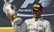 Люис Хамилтън обяви: Ще се състезавам във Ф1 още две или три години