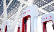 Всички зарядни станции на Tesla ще използват възобновяеми източници на енергия