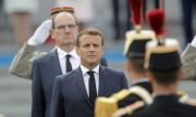 Военни предупредиха Макрон: Оцеляването на Франция е заложено на карта