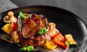 Рецепта за вечеря: Говежда пържола със сос с уиски
