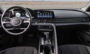 След волана с екран, Hyundai патентова и прибиращо се кормило