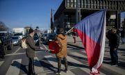 Посолството на Чехия освободи десетки руснаци