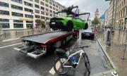 Вдигнаха зелено Lamborghini, защото е спряло на място за