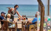 Испания улеснява престоя и завръщането на чужденци