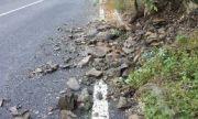 Скала затвори пътя Своге-Ребърково при Елисейна