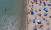 80 евро за чадър и шезлонг в Гърция