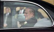 Притеснения в Бъкингам! Британският принц Филип може да остане в болница 6 седмици