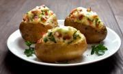 Рецепта на деня: Пълнени картофи с кашкавал и бекон