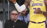 Джак Никълсън се завърна - гледа мач на