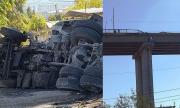 Тежък инцидент: Камион падна от Аспаруховия мост във Варна