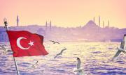 В Турция: купуваш си лятна вила, подаряват ти 10 литра дезинфектант