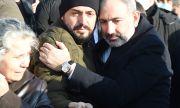 Искат оставката на арменския премиер