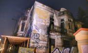 Укрепен е изгорелият покрив на Шапкаревата къща в София