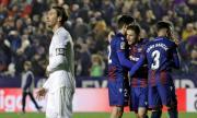 """Реал Мадрид се издъни, """"кралете"""" поставени на колене във Валенсия (ВИДЕО)"""