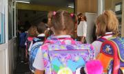 Как да запазим психичното здраве на децата, които тръгнаха на училище с маски