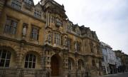 Великобритания с нови правила за прием на студенти