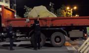 Да натъпчеш нечия кауза в ръждясал камион по тъмно или колко тежи свободата на българския гражданин