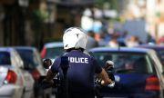 Напрежение в Атина! Неизвестни нападнаха полицаи, следящи карантинните мерки в столицата
