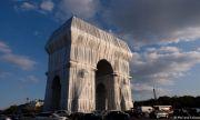 Проектът на Кристо в Париж: мечтата догонва мечтателя