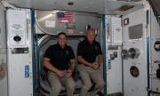 Екипажът на SpaceX се завръща на Земята